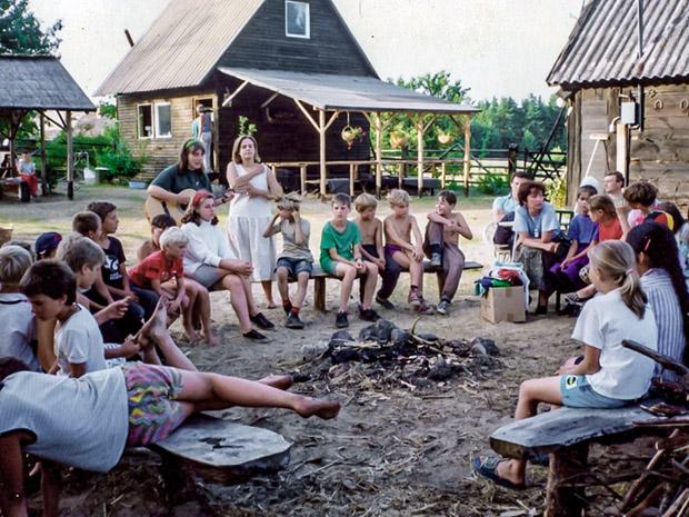 1993 ognisko przy domku